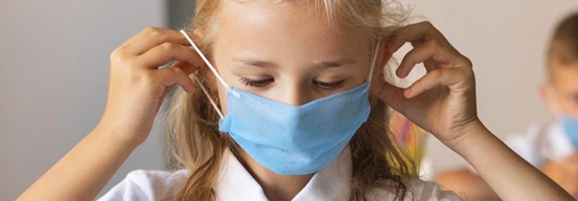 El frío y la ventilación: el desafío de las aulas durante la pandemia